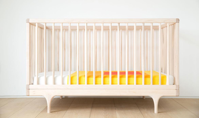Raw Caravan Crib with mattress and Albers bedding