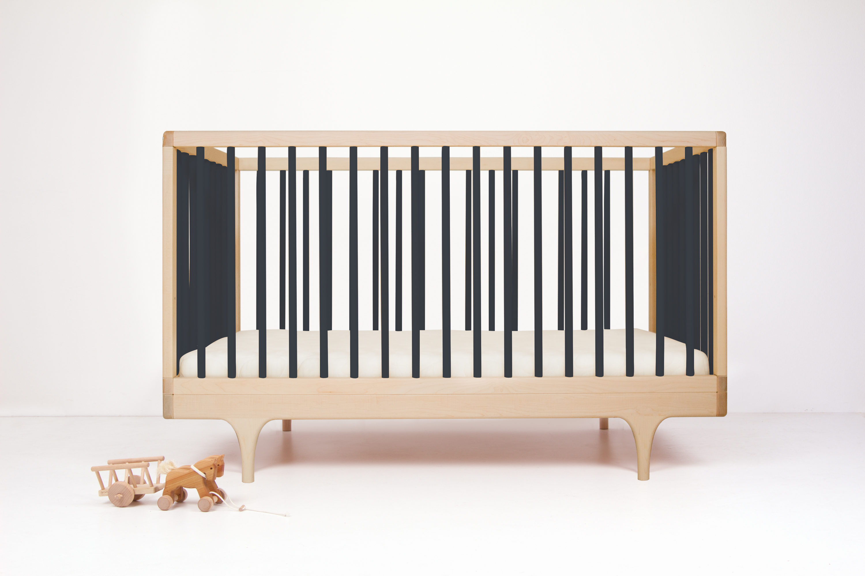 Caravan crib black