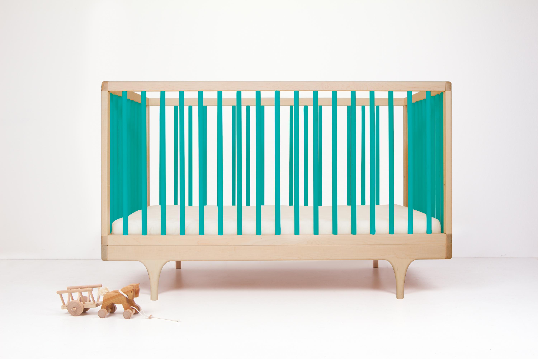 Caravan crib blue
