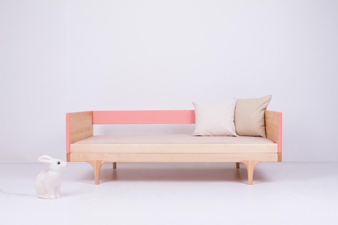 Pink Caravan Divan Toddler Bed with bedding