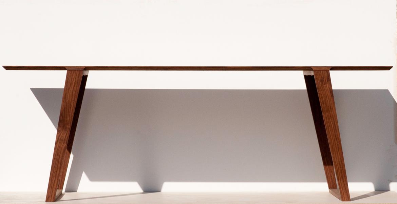 Isometric table small in Black Walnut
