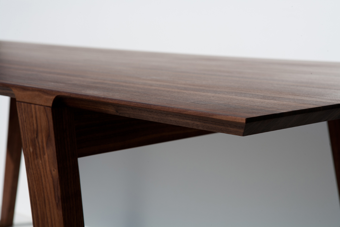 Isometric Table in Black Walnut edge detail