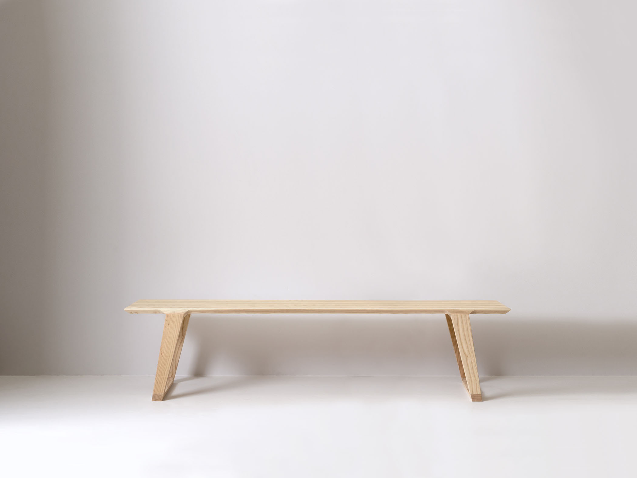 Large Isometric Bench in Ash