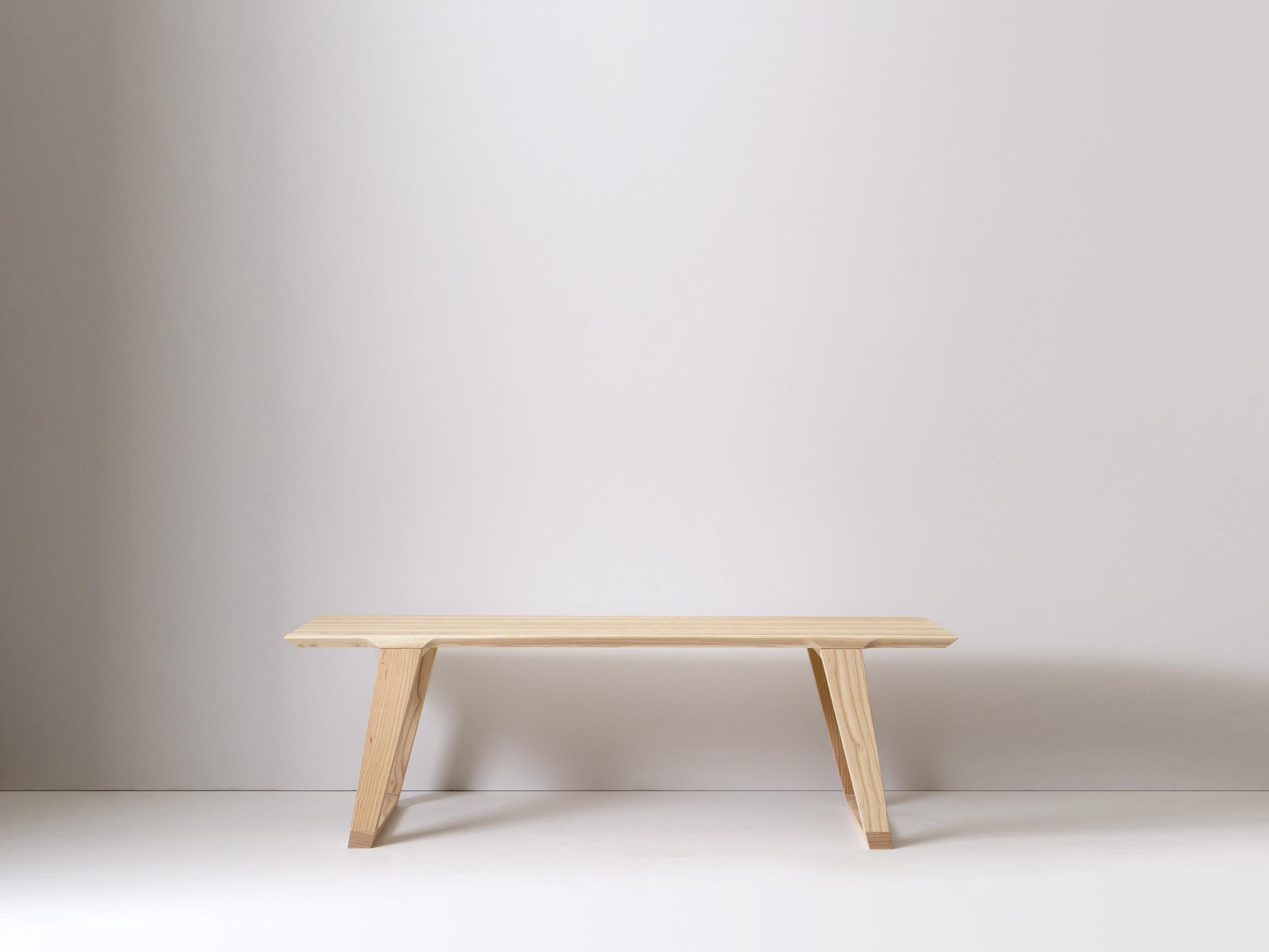 Medium Isometric Bench in Ash