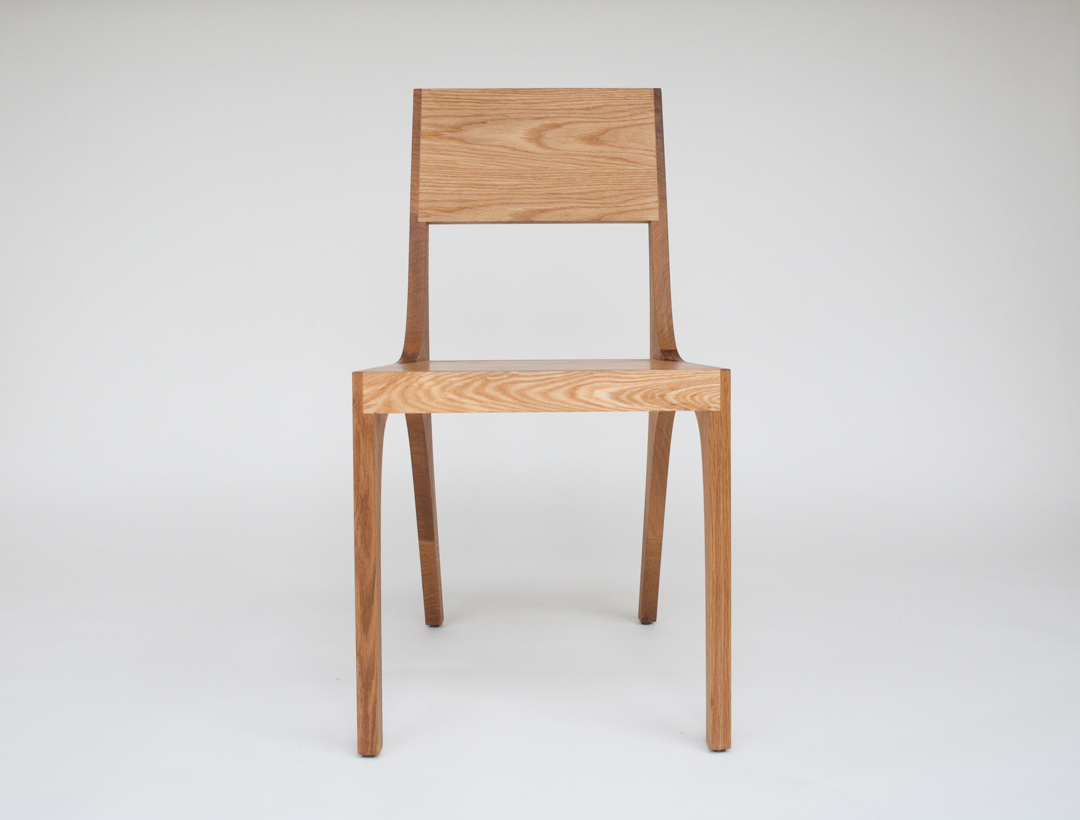 Isometric chair in white oak