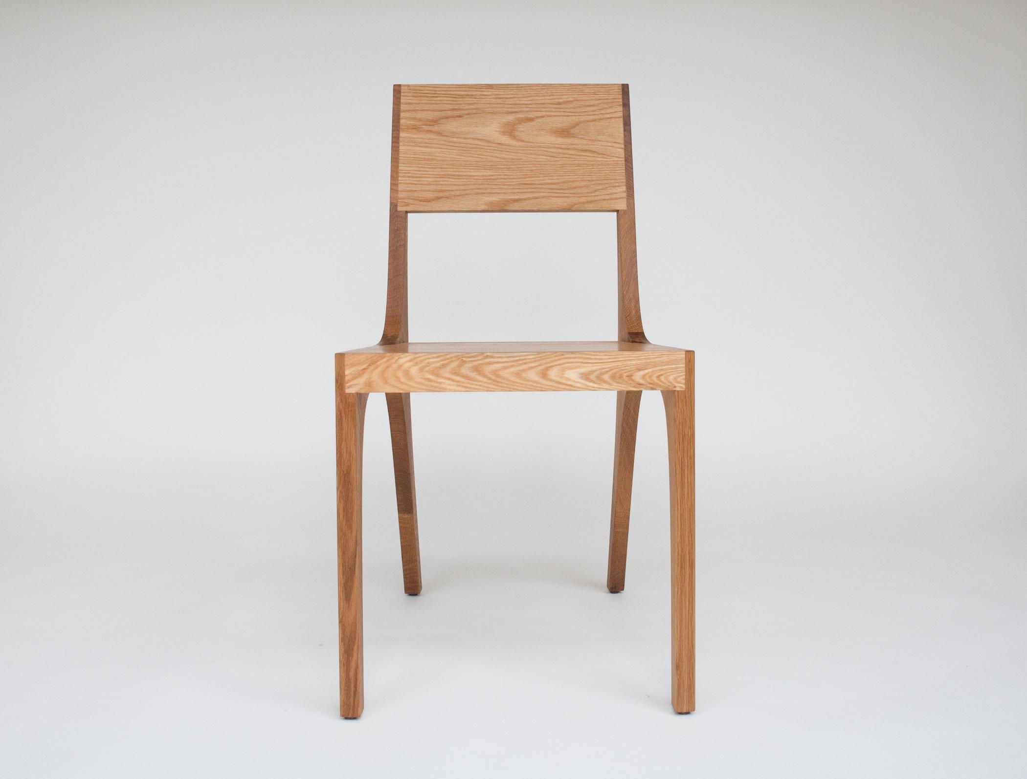 Isometric chair in white oak