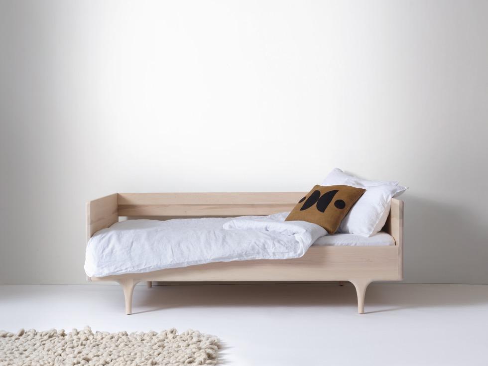 Divan Twin - Modern Solid Wood Daybed | Kalon Studios US