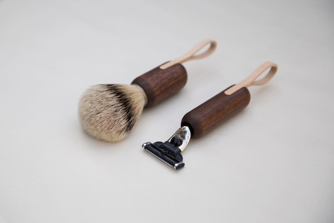 Walnut shaving brush and razor