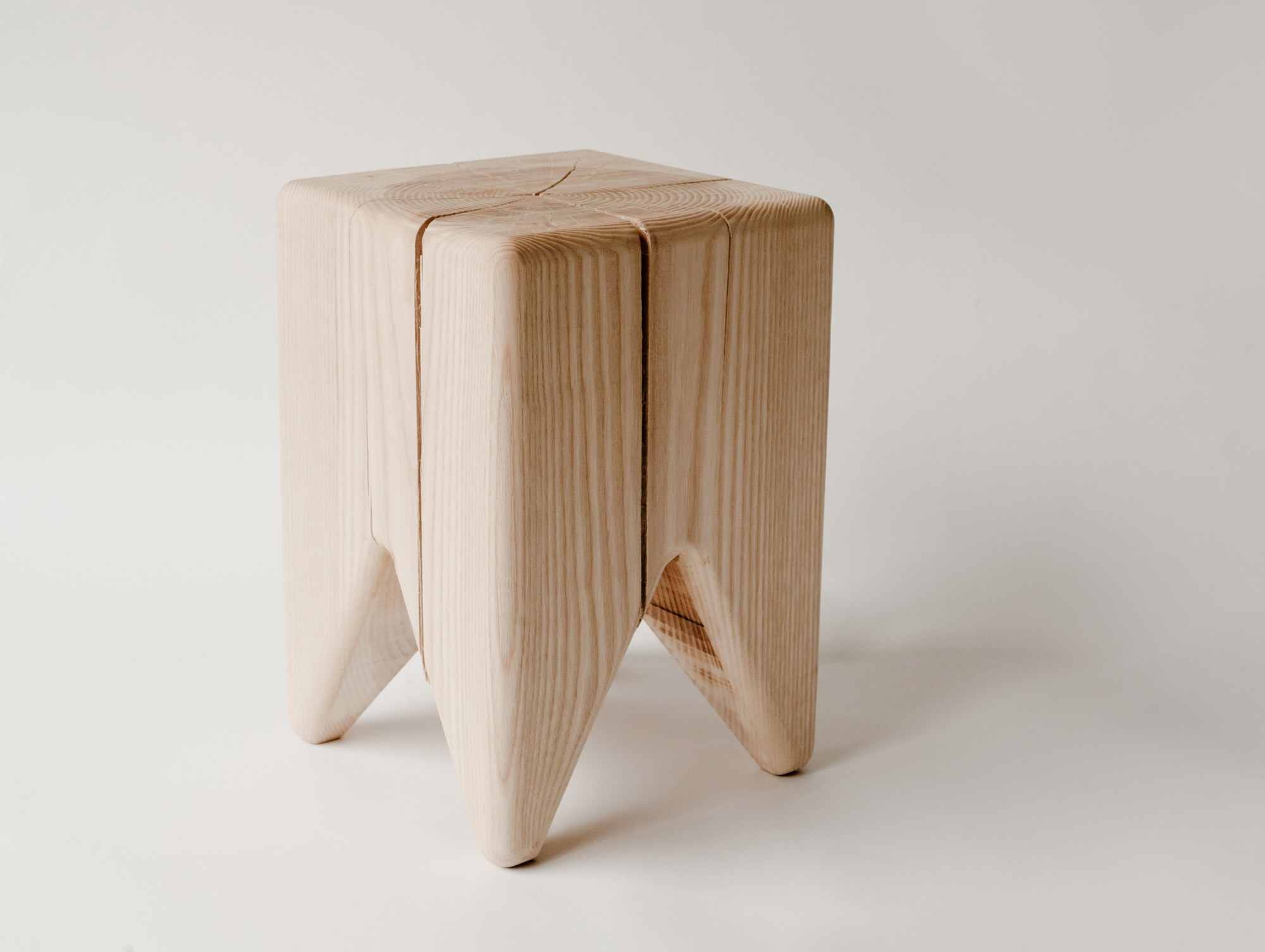 Wood stump in raw ash or maple