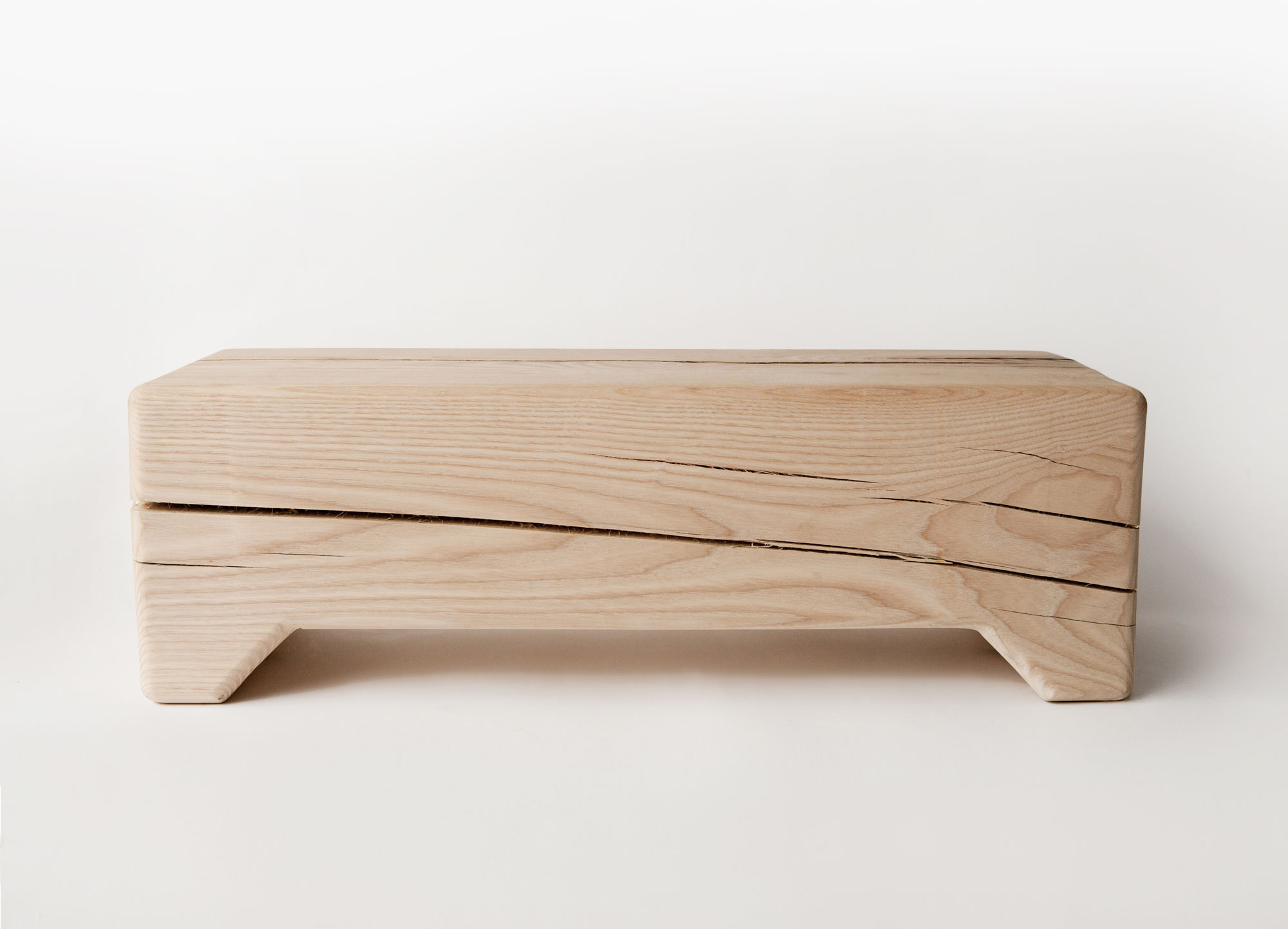 Trunk bench in raw ash or maple