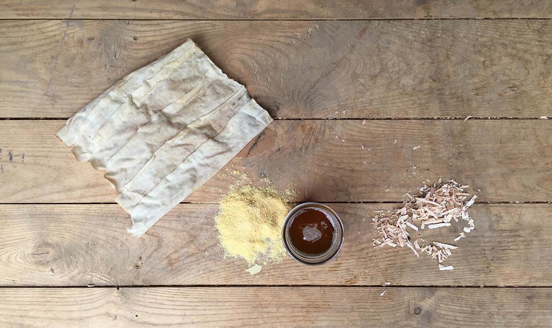 Oil wax finish with carnauba wax
