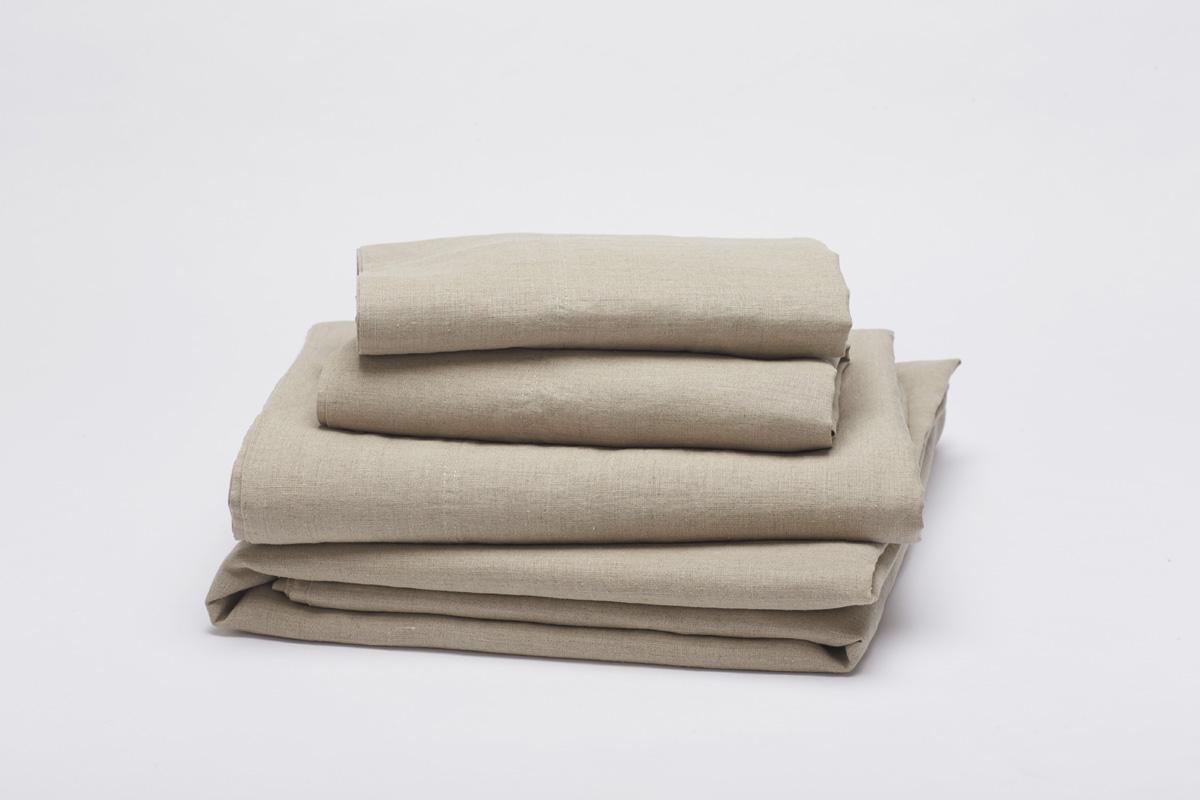 Coyuchi Relaxed Linen Sheet Set in Undyed