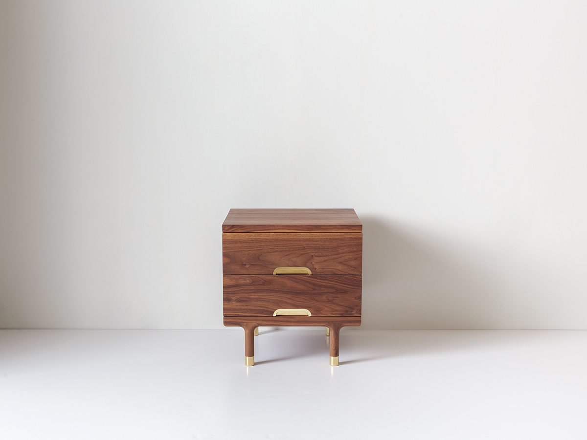 Exceptionnel Simple Side Table Walnut